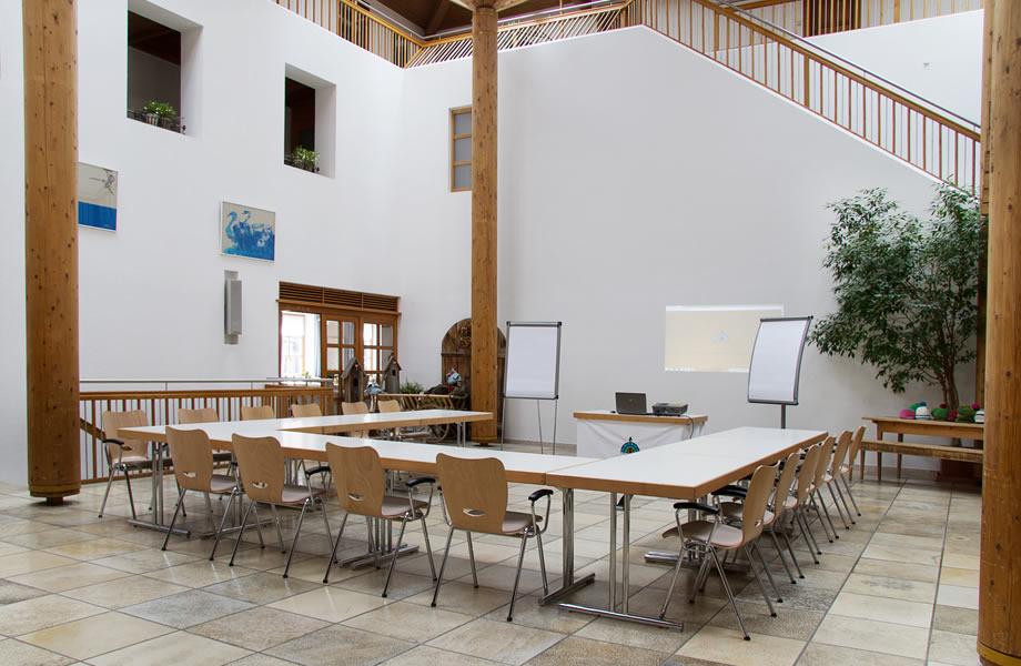 http://www.imklosterbezau.at/uploads/images/seminar1.jpg